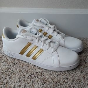 NEW! Adidas Baseline sneakers